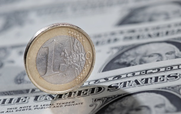Взрывы в Брюсселе опустили курс евро
