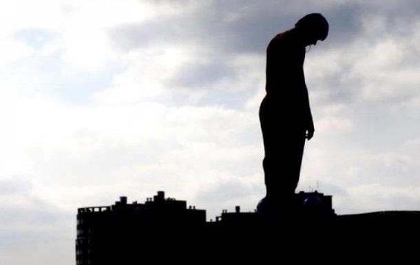 В Полтаве военный прыгнул с пятого этажа и выжил