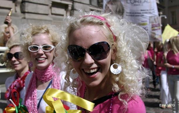 Психологи опровергли миф о тупости блондинок