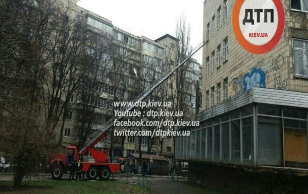 В Киеве загорелась школа-интернат