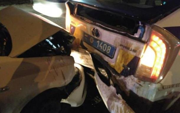 В Киеве водитель  под кайфом  врезался в полицейскую машину
