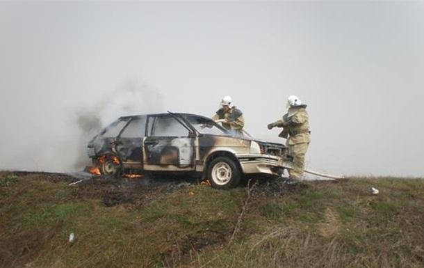 На Херсонщине на ходу загорелось авто, есть жертвы