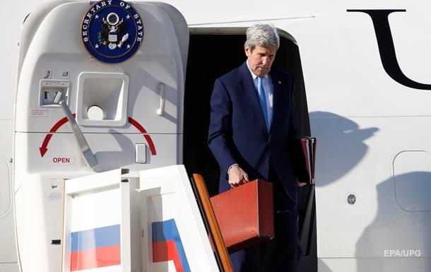 Керри прогулялся по Москве перед визитом в Кремль
