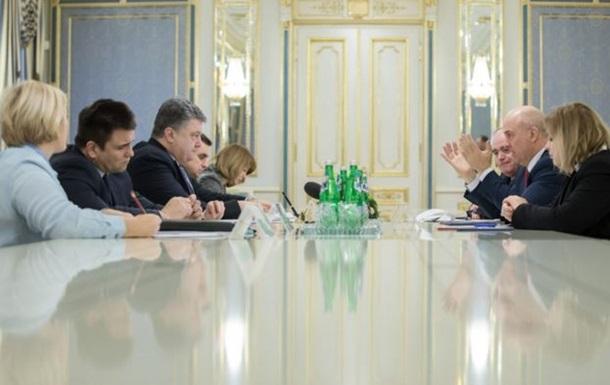 Порошенко просит ЕС проверить украинских заключенных в РФ