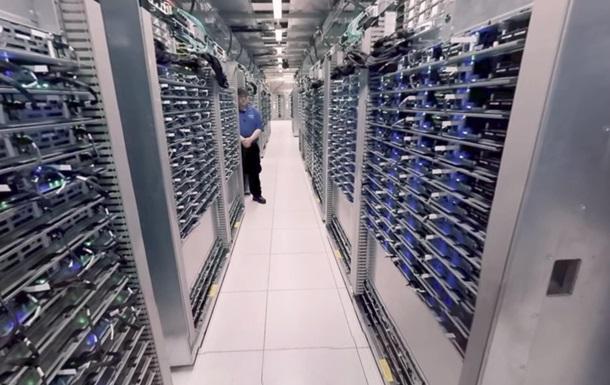 Google показал свой дата-центр в 360-градусном видео