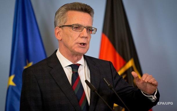 Террористы не готовят атаки на Германию – глава МВД