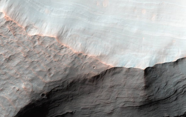 NASA показало снимок устья засохшей реки на Марсе