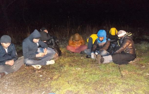 На Закарпатье задержали 17 нелегальных мигрантов