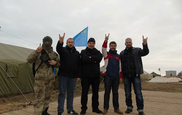 Блокада Крыма: Активисты заступили на дежурство