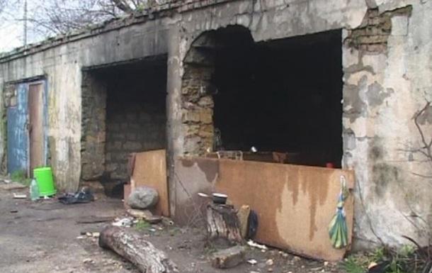 В Одессе бомжи заживо закопали женщину