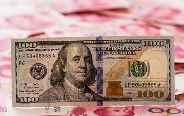 Курс доллара показывает максимальный рост с января