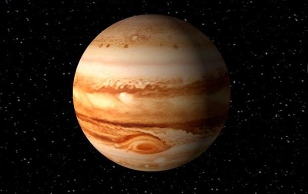 Столкновение Юпитера с НЛО попало на видео