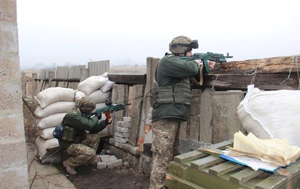 Штаб АТО: сепаратисты ведут огонь из всех калибров