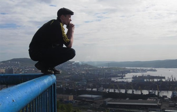 Более трети украинцев считает жизнь невыносимой, а 2/3 мечтают уехать