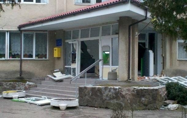 В Ивано-Франковской области снова подорвали банкомат в больнице