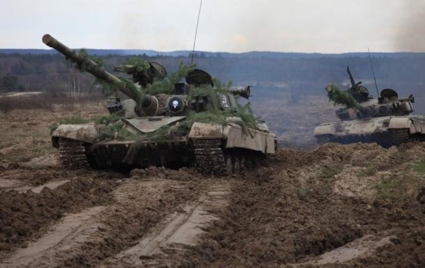 Армия пополнилась 150 единицами военной техники