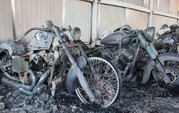 На Винничине сгорел крупный склад мотовелотехники