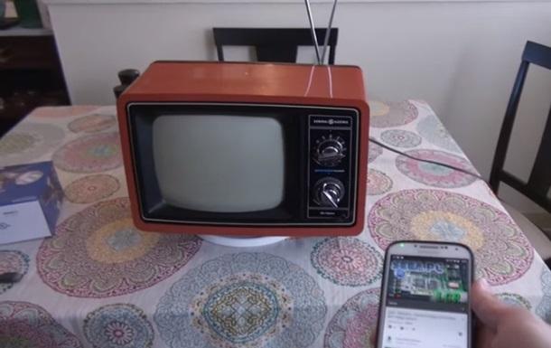 YouTube подключили к ламповому телевизору