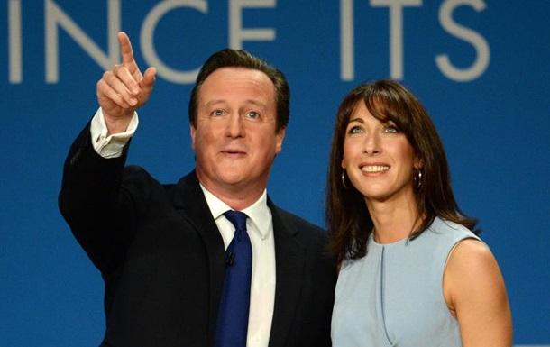 Офшорный скандал: В Британии требуют отставки Кэмерона