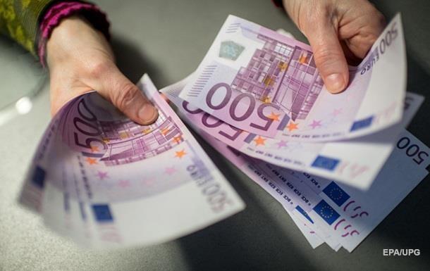 Минфин взял 400 млн евро кредита на поддержку бизнеса