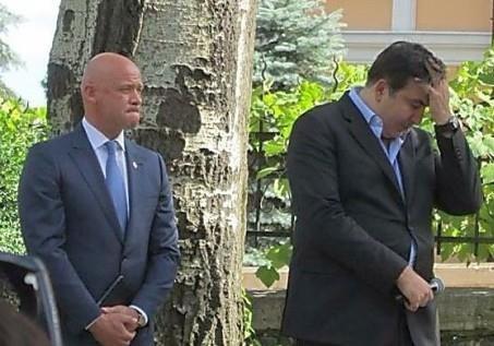 Кто стоит за  паспортным  скандалом в Одессе?