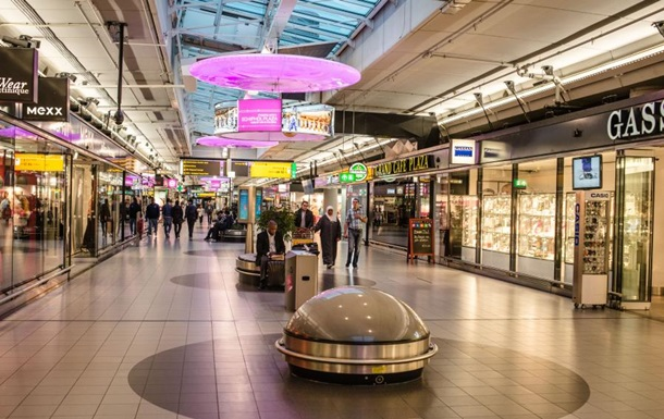 В Амстердаме эвакуировали аэропорт из-за сообщения о взрывчатке