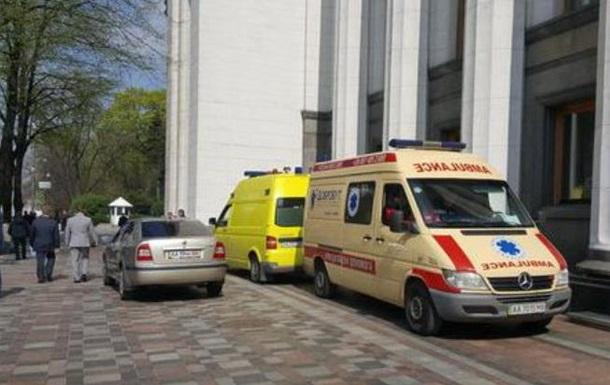 Депутата из партии Яценюка вынесли из Рады на носилках