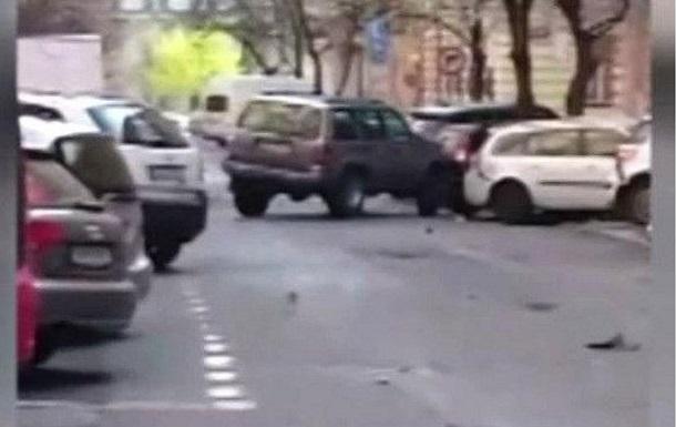 Пьяный полицейский в Чехии протаранил 51 авто