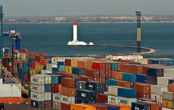 Внешняя торговля Украины упала втрое