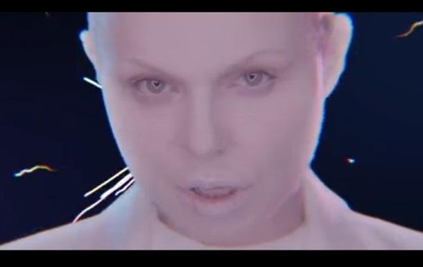 Исполнительница  Лабутенов  представила первый сольный клип