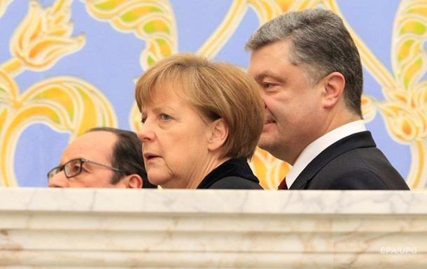 Порошенко обсудил солдат ОБСЕ с Меркель и Олландом