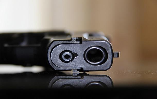 В центре Одессы девушка открыла стрельбу