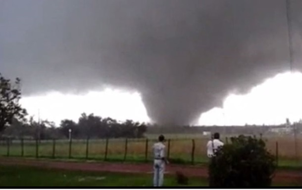 Торнадо в Уругвае унес жизни двух людей