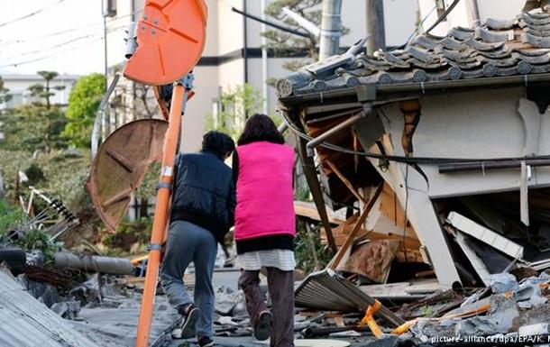 В Японии идут поиски выживших после двух землетрясений