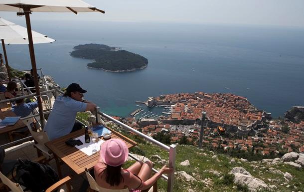 Танки и пляжи. Как Хорватия восстанавливалась после войны