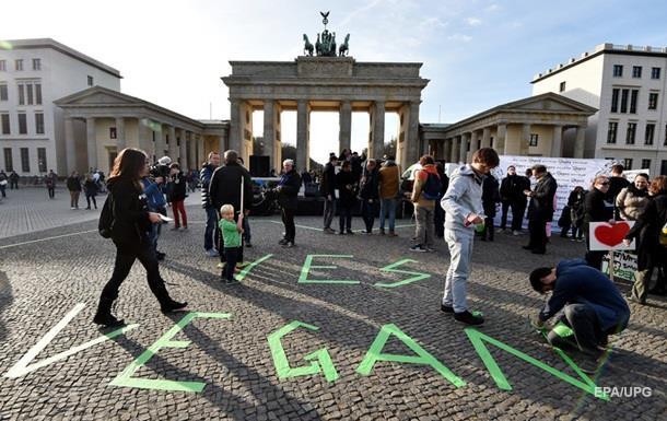 В Берлине на открытии ресторана разогнали голодных хипстеров