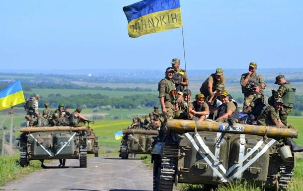 Киев продолжает стягивать войска на Донбасс