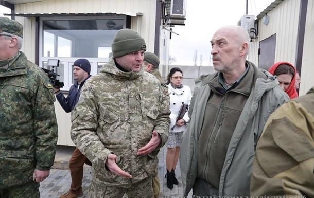 Тука не будет открывать КПВВ в Станице Луганской