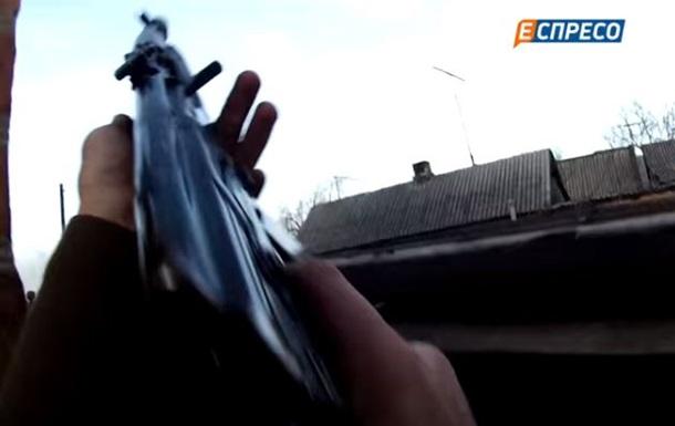 Военные показали перестрелку в Марьинке