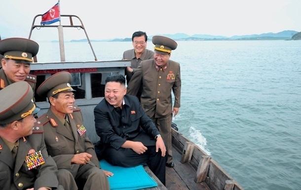 Ким Чен Ын руководил запуском ракеты с подлодки