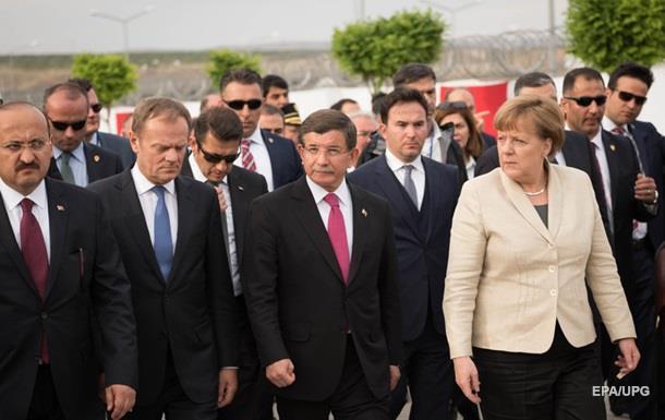 ЕС выделит Турции миллиард евро на сирийских беженцев