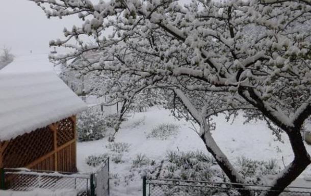 Карпаты засыпало снегом
