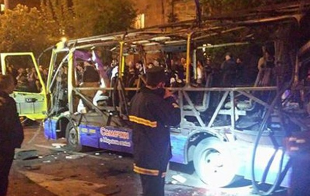 В Ереване взорвался автобус