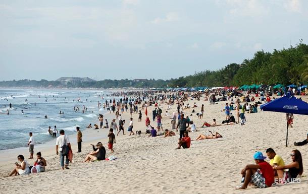 Индонезия отменила визы украинцам