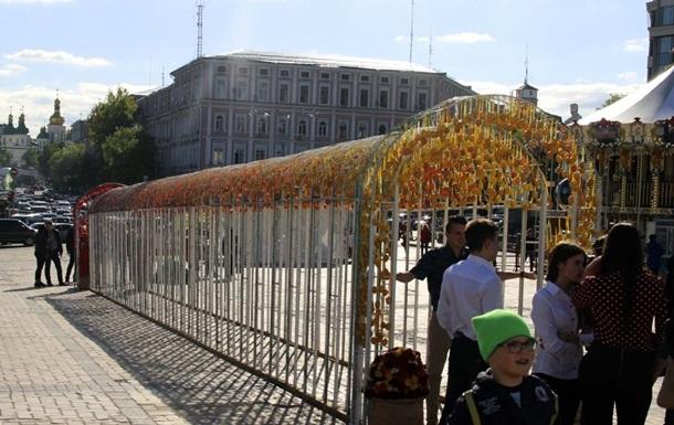 В Киеве появился Тоннель желаний