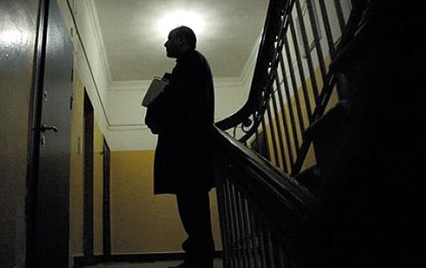 В России коллекторы замуровали квартиру должницы