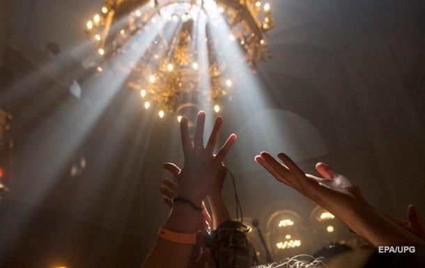 УПЦ КП застряла в Израиле с благодатным огнем