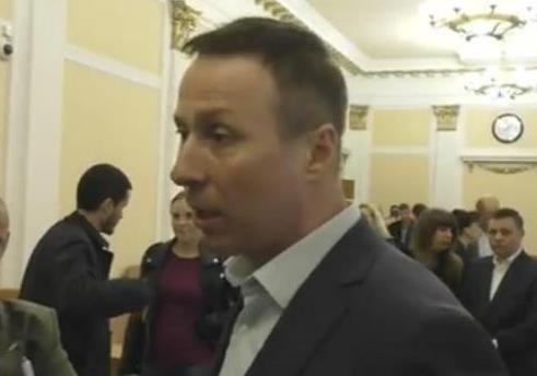 Лидер фракции БПП просил прощение у репортёра