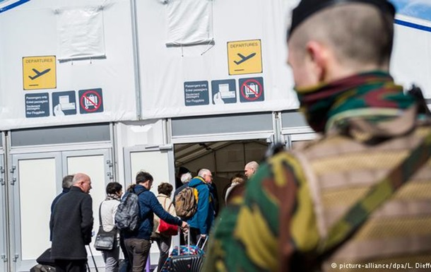 Зал вильотів аеропорту Брюсселя частково поновив роботу