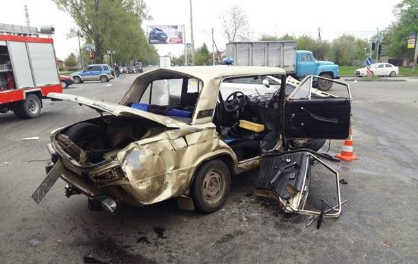 В ДТП в Харькове пострадали пять человек